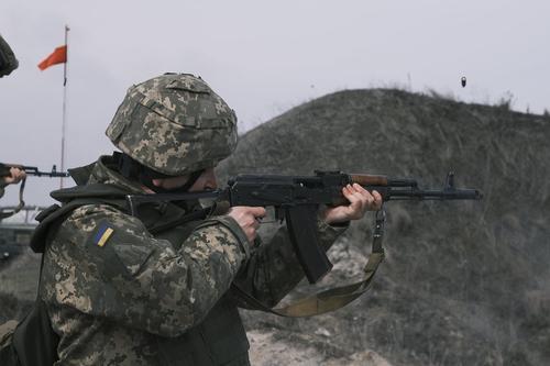 Политолог Джаралла назвал тройную выгоду США от эскалации военного конфликта в Донбассе