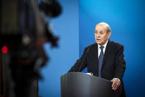 Франция призвала Россию объяснить передвижения войск у границ с Украиной