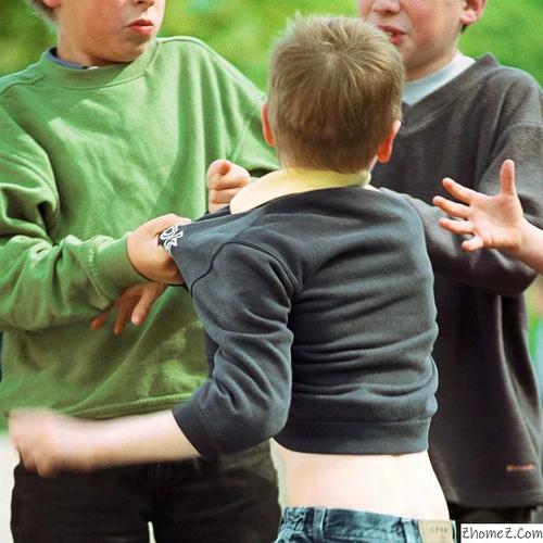 Дети дрались в школах всегда. Интернет лишь показывает это
