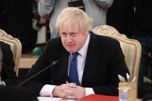 Премьер Великобритании Джонсон отказался от присутствия на похоронах принца Филиппа