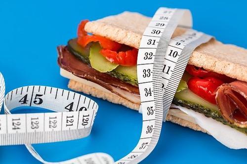 Диетолог Гинзбург рассказал о «золотом правиле» любой диеты