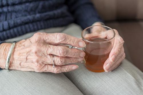 Шведские ученые рассказали о привычке, отказ от которой продлевает жизнь в среднем на 28 лет