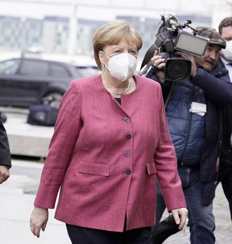 Bild: Меркель отменила запись на прививку от COVID-19