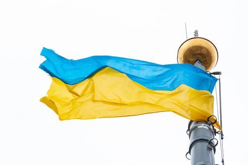 Сайт topwar.ru: новая полномасштабная война в Донбассе могла бы развалить Украину на части