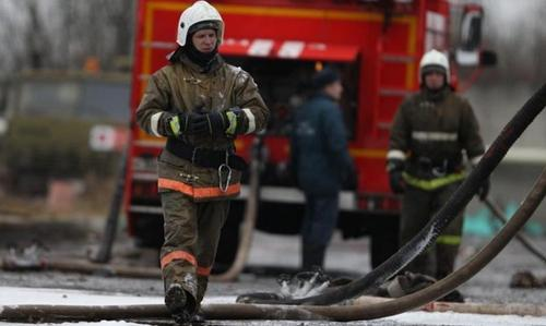 Во время тушения возгорания в здании Невской мануфактуры в Петербурге погиб пожарный