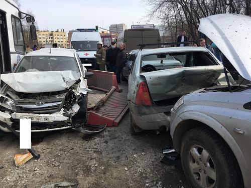 В Рязани произошло ДТП с 12 автомобилями
