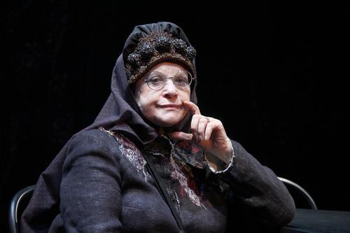 Почему актриса Валентина Талызина передвигается в инвалидной коляске