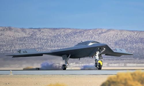 Беспилотники «Охотник» и «Гром» получат новое мощное вооружение пилотируемых ударных платформ