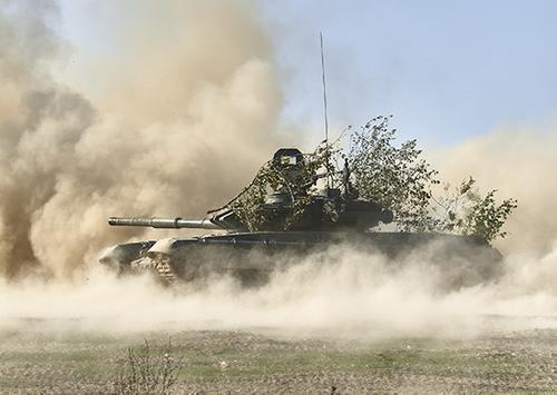 Танкисты российской военной базы в Абхазии отработают оборонительные боевые действия