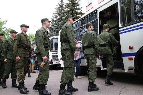 Началась отправка первых призывников в войсковые части РФ