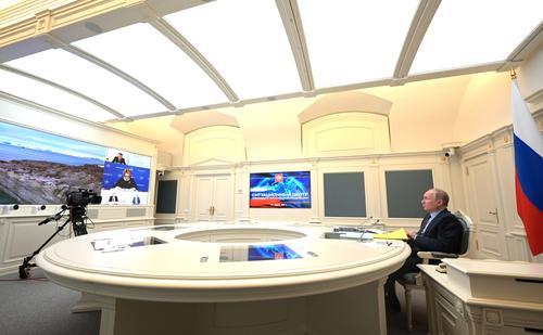 СМИ предположили, какой вакциной привился Путин