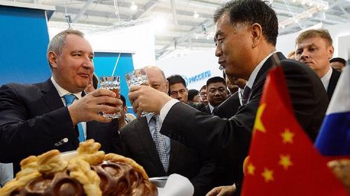 У кого какая будет роль в научном и политическом сплаве Китая и России