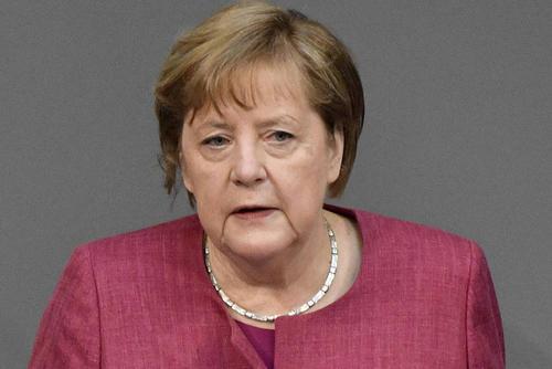 Канцлер ФРГ Ангела Меркель привилась от коронавируса вакциной AstraZeneca