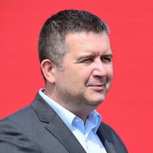 Вице-премьер Чехии Ян Гамачек отменил поездку в Россию для обсуждения вакцины против коронавируса