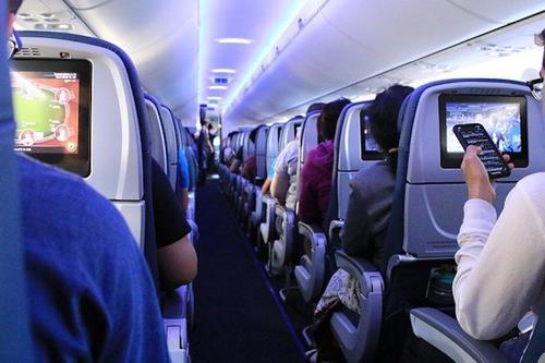 Летевший из Москвы во Владивосток самолет внепланово приземлился в Красноярске