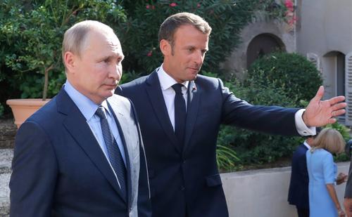Макрон призвал Запад определить красные линии в отношениях с Россией
