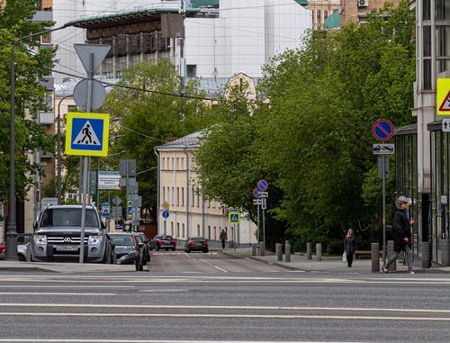 Автоэксперт Сажин назвал причину возвращения контроля над дорожными знаками к МВД