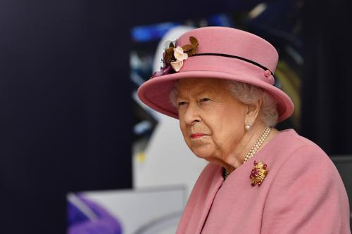 Елизавета II отмечает юбилей в трауре по принцу Филиппу