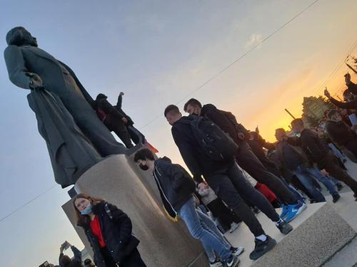 Несогласованная акция в Челябинске не собрала большого количества участников