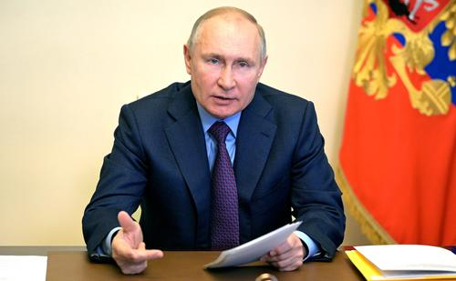 Путин поблагодарил медиков и всех, кто внёс вклад в борьбу с пандемией коронавируса