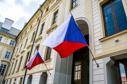 «Швыряние» послами продолжается. Дипломатический конфликт с Чехией обострился до предела