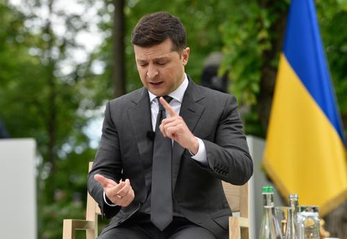 Зеленский призвал обновить формат переговоров по ситуации в Донбассе