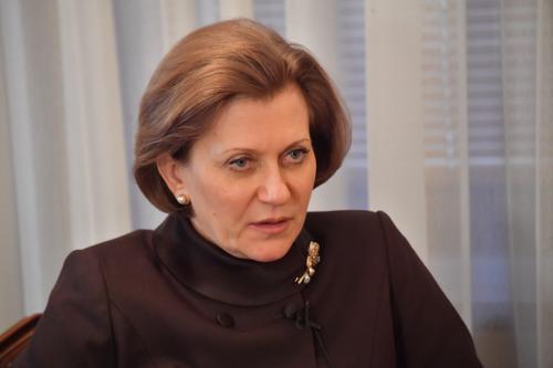 Попова призвала россиян не организовывать массовые мероприятия на майские праздники, а провести их в кругу семьи