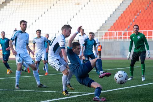 Челябинские футболисты сыграют с тюменцами