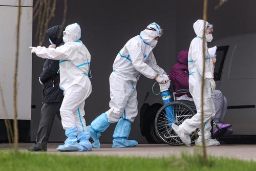 В Москве в апреле выявили на 37% больше заболевших COVID-19, чем в марте
