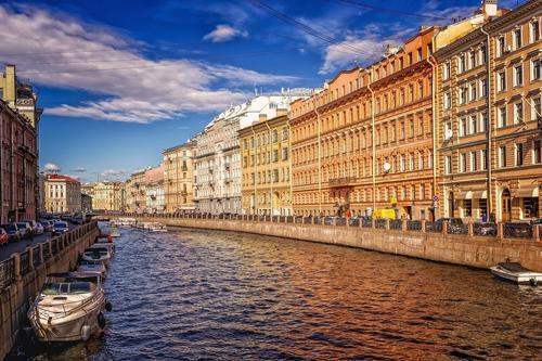 В Санкт-Петербурге закрыли сады и скверы
