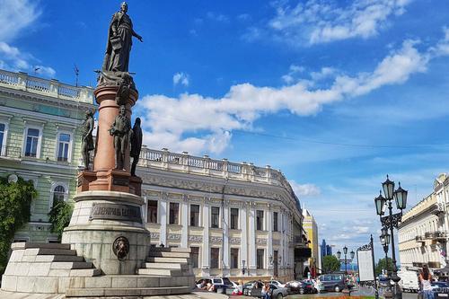 Власти Одессы отказались менять русский текст гимна города на украинский