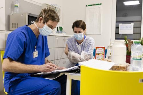 Число случаев заражения коронавирусом в Германии приближается к 3,5 млн