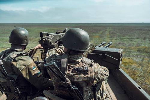 Публицист Кочетков объяснил выгоду властей Украины от продолжения войны в Донбассе