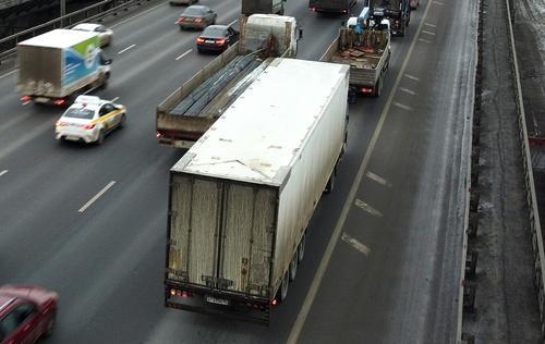 Движение в районе 67 км МКАД затруднено из-за ДТП с участием четырех автомобилей
