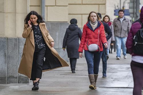 В Москве и области продлили «желтый» уровень погодной опасности из-за ветра