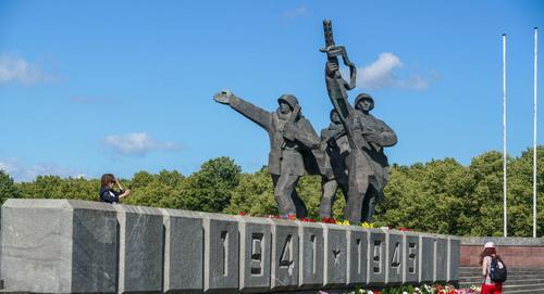 9 мая доступ к памятнику Освободителям в Латвии будет открыт