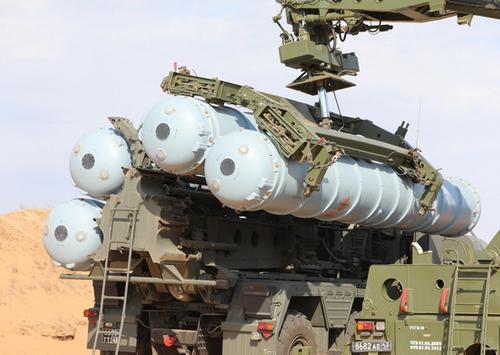 Системы С-400 «Триумф» Западного военного округа уничтожили крылатые ракеты в ходе тренировки