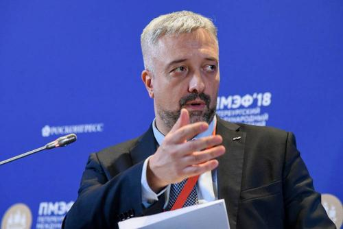 Глава Россотрудничества Евгений Примаков предложил недовольным парадами Победы «проследовать на другую родину»