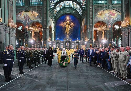 В Главном храме Вооруженных Сил РФ проходит торжественный молебен в ознаменование Победы в Великой Отечественной войне