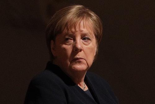 Меркель назвала «постоянной ответственностью» сохранение памяти о миллионах людей, погибших при нацистах