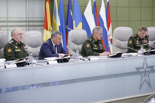 В Минобороны РФ прошло селекторное совещание, посвящённое борьбе с нарушениями уставных правил взаимоотношений