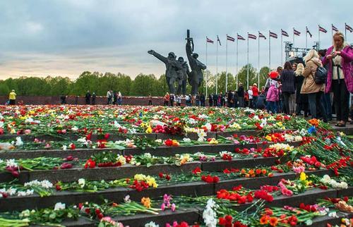 В чем причина неприязни националистов Латвии ко всему русскому