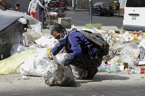 Богатая нефтью Венесуэла стала одной из самых бедных стран мира
