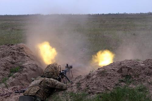Полковник ВСУ Жданов: армия Украины сорвет «блицкриг» России в случае ее «вторжения»