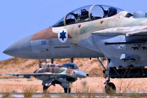 ВВС Израиля  усиливают воздушные атаки на сектор Газа