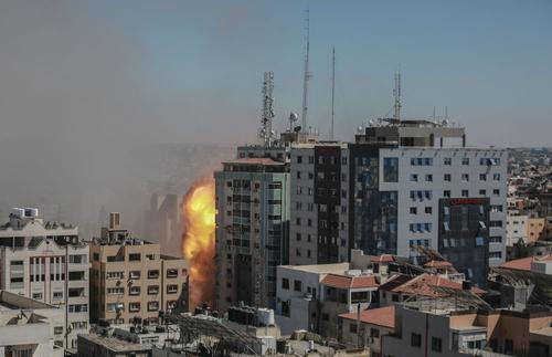 Город Газа после серии взрывов остался без электричества