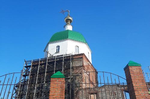 В Муроме ураган согнул кресты церквей