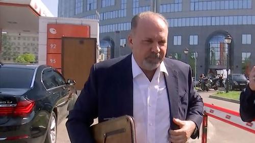 РБК: Суд закрыл уголовные дела против двух экс-губернаторов Меня и Конькова обвинявшихся в причастности к хищению 700 млн руб.