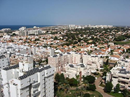 Сирены ПВО вновь звучат в районе крупного города Ашкелон на юге Израиля, сообщает армия
