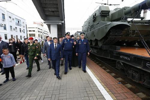 Более 12 тысяч краснодарцев посетили выставочный поезд Минобороны России